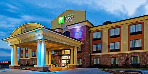 Holiday Inn Express & Suites Salem – Salem, VA